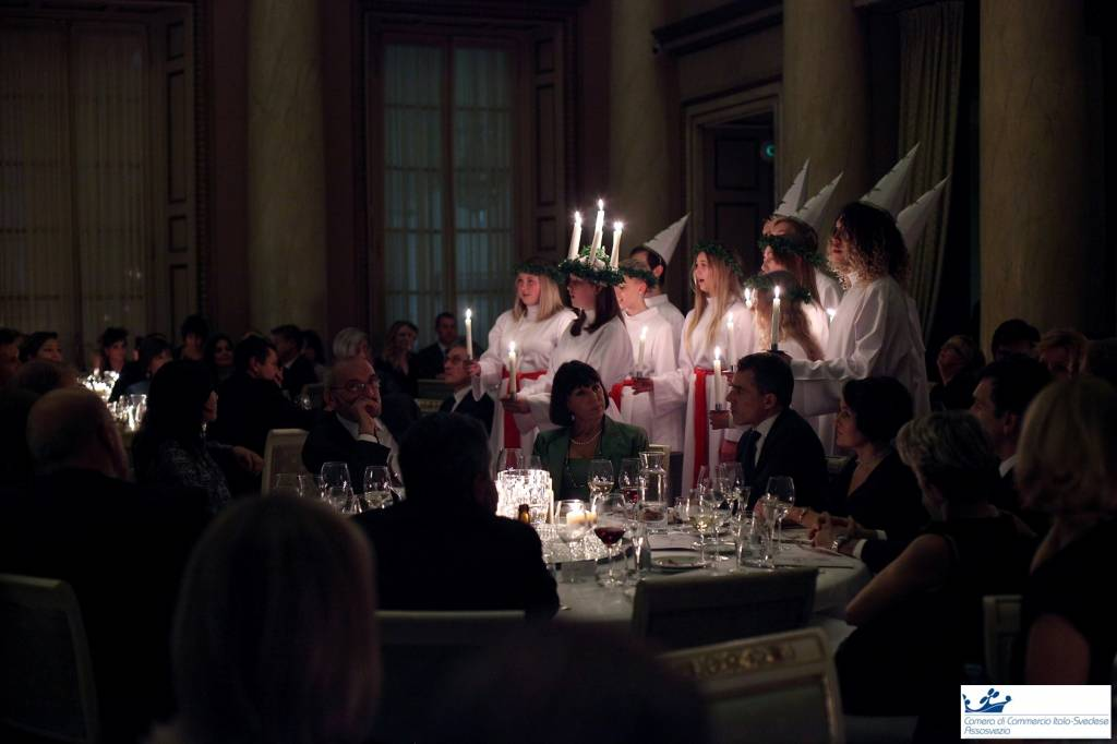 cena di gala di santa lucia 2016 società del giardino principessa ereditaria victoria di svezia principe daniel anna ekstrom ministro camera di commercio italo svedese assosvezia